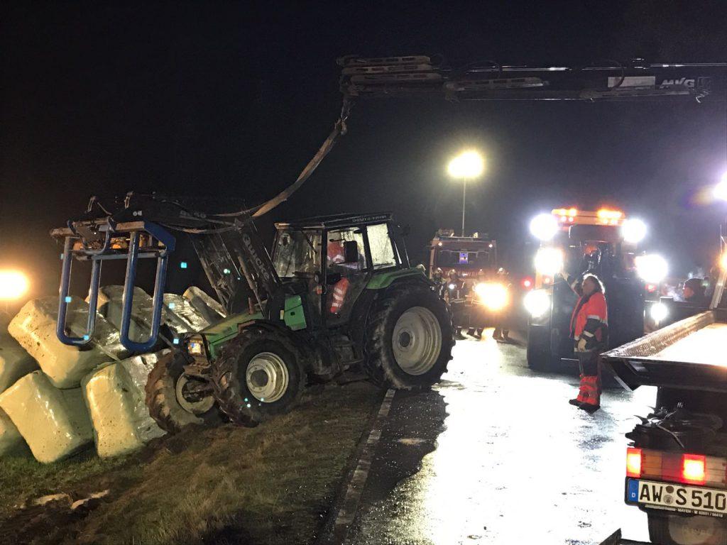 20161111-umgestuerzter-traktor-3